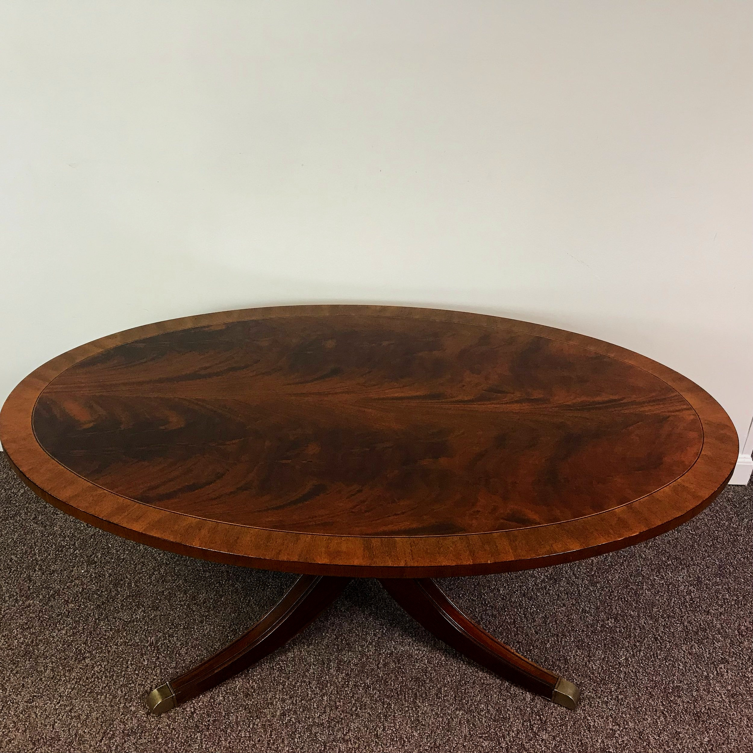 - Ethan Allen Oval Chippendale Style Coffee Table — Ardesh