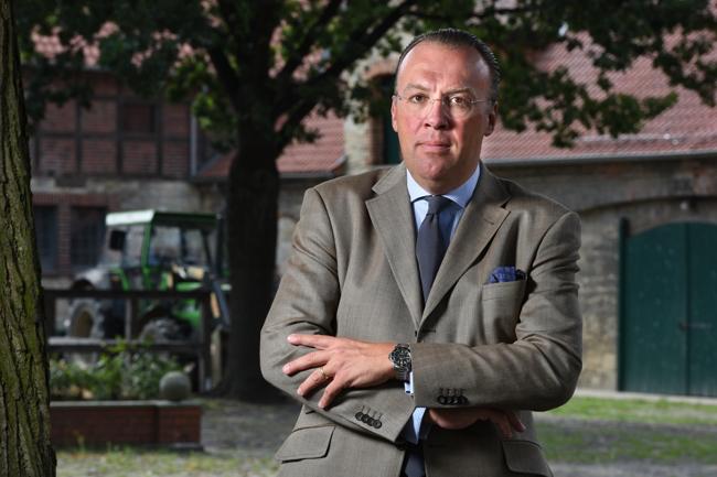Günther Graf von der Schulenburg   Telefon: +49 5363 97190    E-Mail