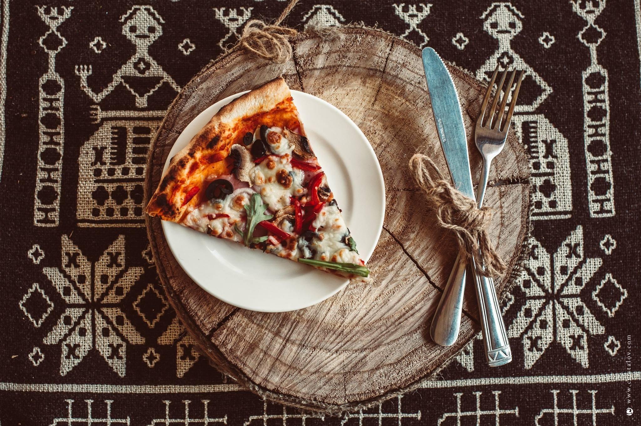 Cafeneaua La Cuptoraș - Luni - Vineri de la 12:00 la 18:00