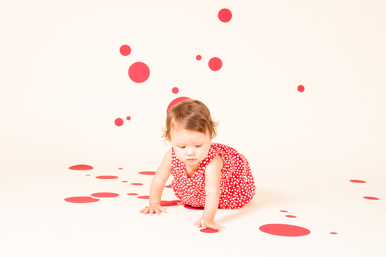 red_dots_01.jpg
