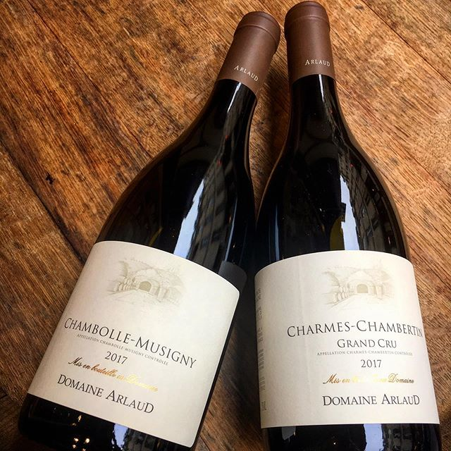 Il y a des Chambolle qui ne manquent pas de Charmes @domainearlaud #domainearlaud #charmeschambertin #chambollemusigny #pinotnoir #moreysaintdenis #dreamteamlesclimats