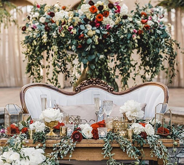 SWEETHEARTS 💕💕. Our grand fountain makes the perfect backdrop to this sweetheart table. #Repost @greenleafdesigns ・・・ I came across these images from @jasonburnsphotography and had to share!  I love the romance of San Juan Capistrano and he captured it!