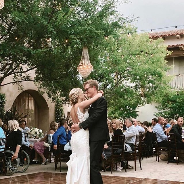 Dancing under the stars ✨. #Repost @thepeoplesdjla ・・・ The #firstdance is always one of our favorite moments of the evening💗
