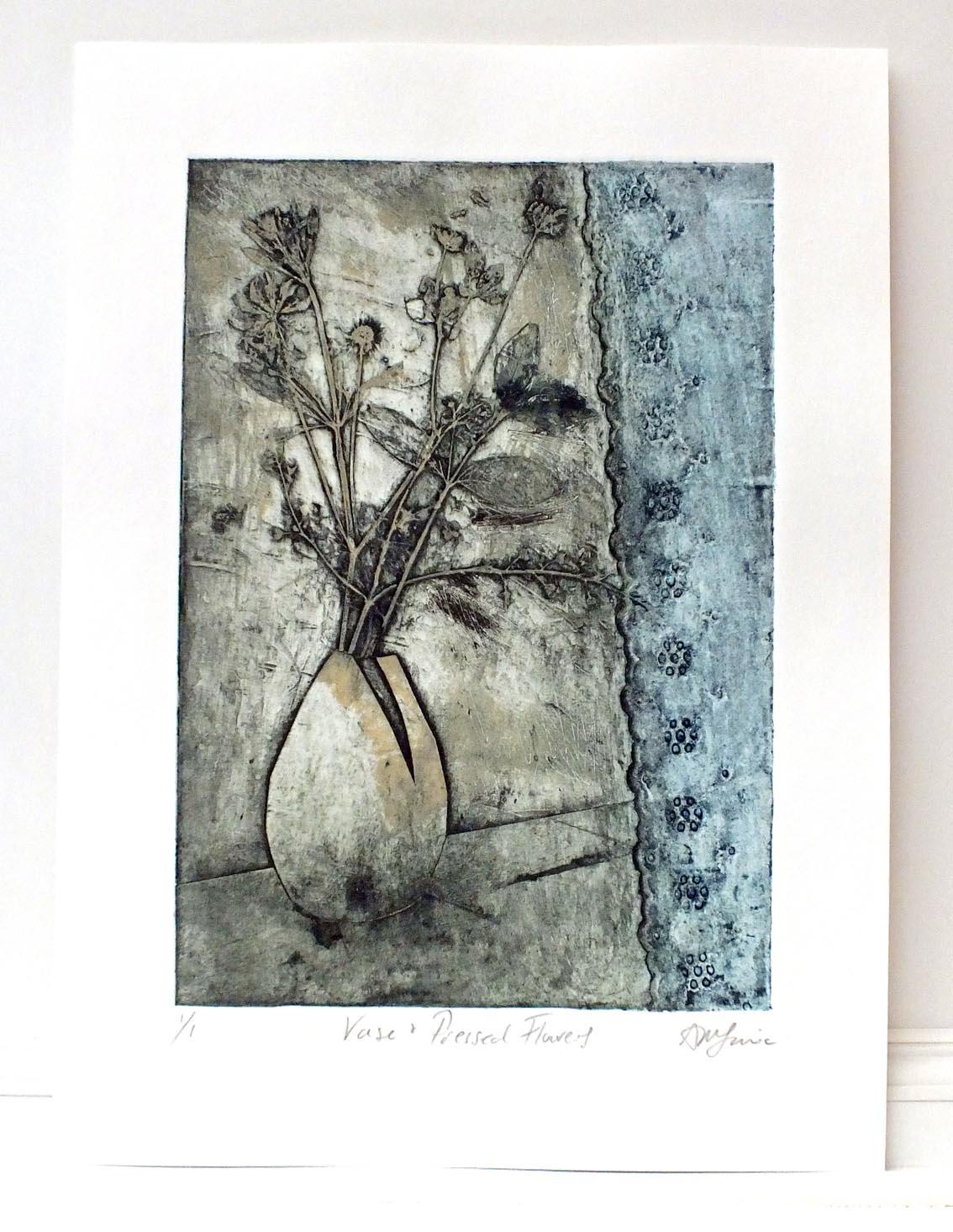 Vase _ Flowers lt Blue complete.jpg