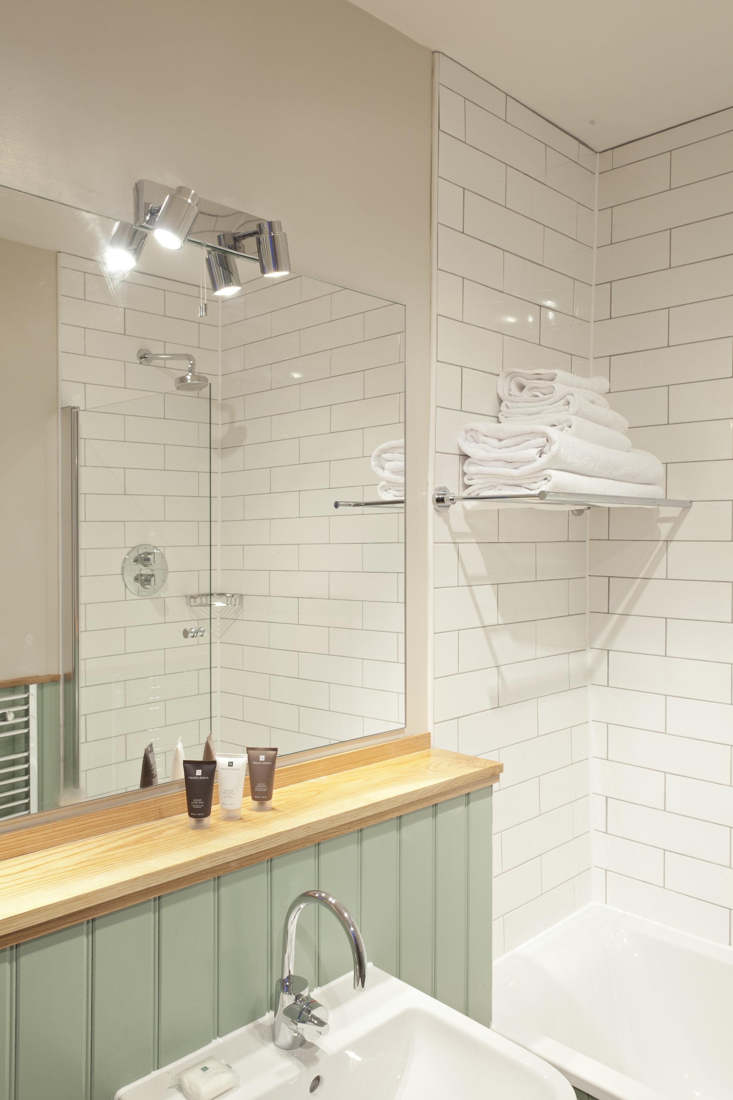 BB- Bathroom (2).jpg