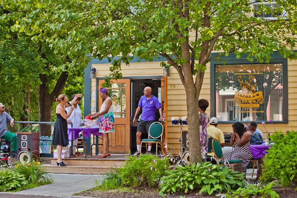 Lodge-outdoor.jpg
