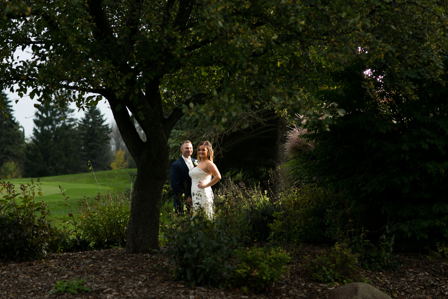 Fall Country Club Wedding by Shannon Z Photography for Destination Wisconsin Wedding Blog