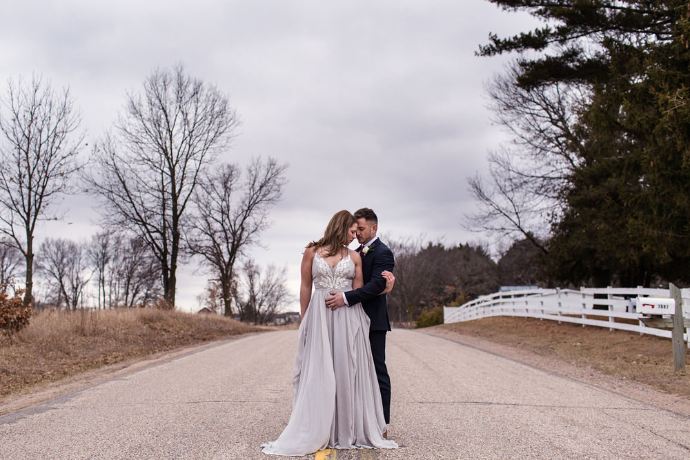 Rustic-Chic-Elopement-by-Emma-Mullins-Photography-67.jpg