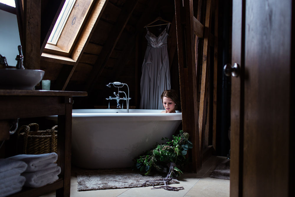 Rustic-Chic-Elopement-by-Emma-Mullins-Photography-25.jpg
