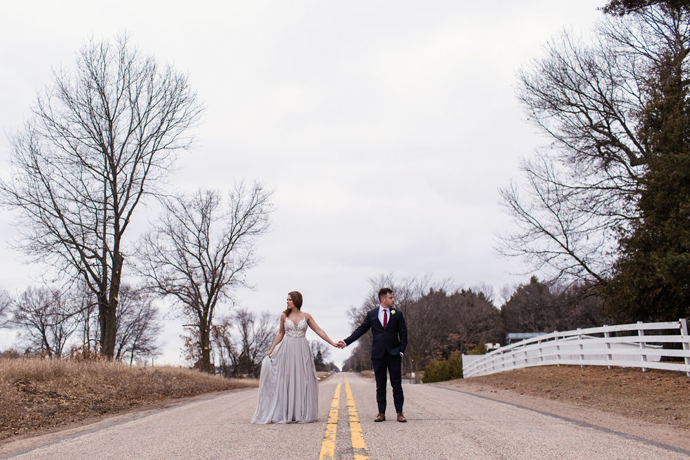 Rustic-Chic-Elopement-by-Emma-Mullins-Photography-72.jpg