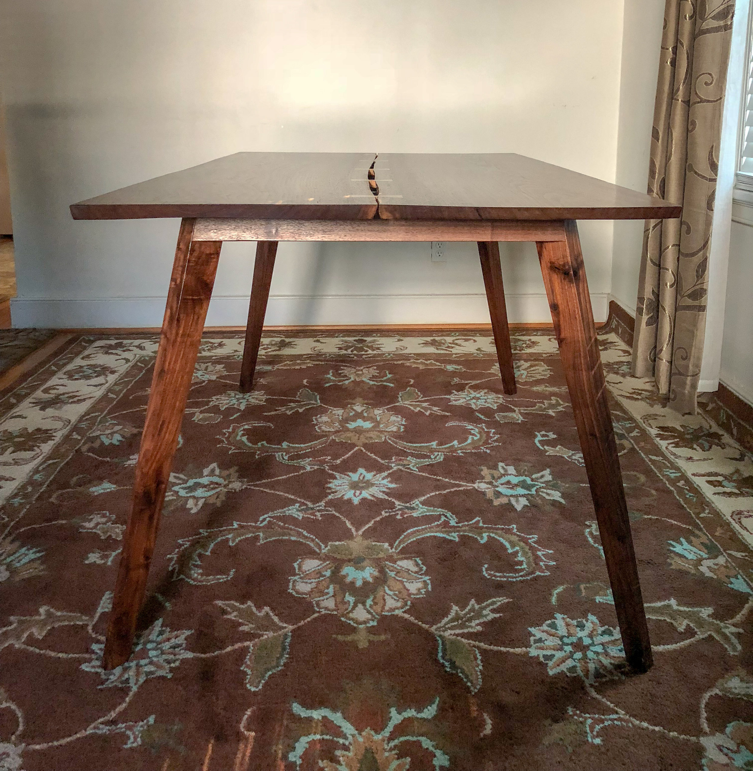 Inverted Live-Edge Table