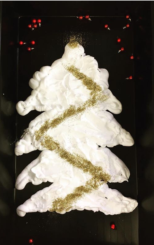 @shooting_stars_ois on Instagram shared one of our favourite activities of the entire week: Shaving foam Christmas tree decorating! They squirted the tree shape using the foam then added glitter and baubles for the decorations. What a beautiful set up, even if it will turn into a soapy sparkly mess by the time you're done!!