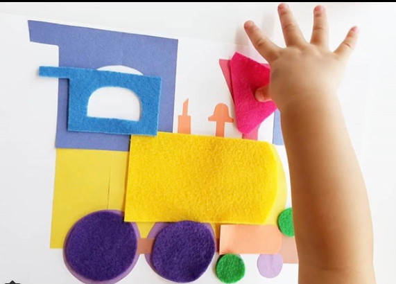 Felt Puzzle - Create your own felt puzzle to piece together!@cardboardschoolhouse