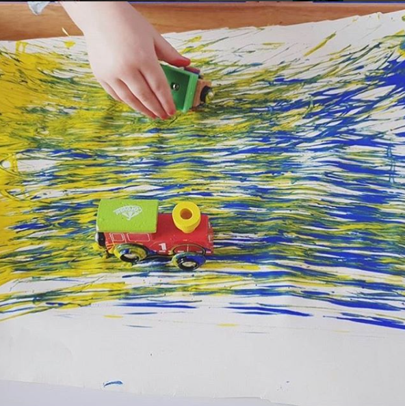 Colour Mixing - Explore mixing primary colours using your train! Watch the two colours blend together as you drive your train through the paint!@letsplaymama