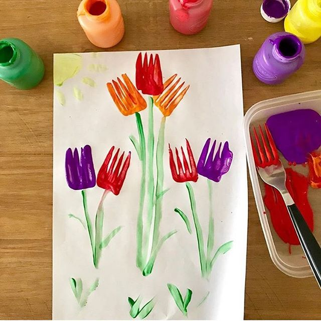 Our #oursensoryeaster prompt today is TULIP 🌷 . [FEATURED @wereadandplay] Can I get a yeeeeehawww for who is ready for spring goodness this May! These beautiful fork tulips are getting me in the mood for our wonderful theme to come next month, a celebration of the outdoors! Thank you for such amazing tulip ideas today!!