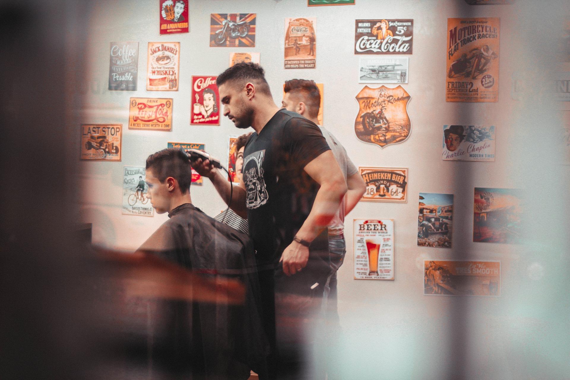 barbershop-2605079_1920.jpg