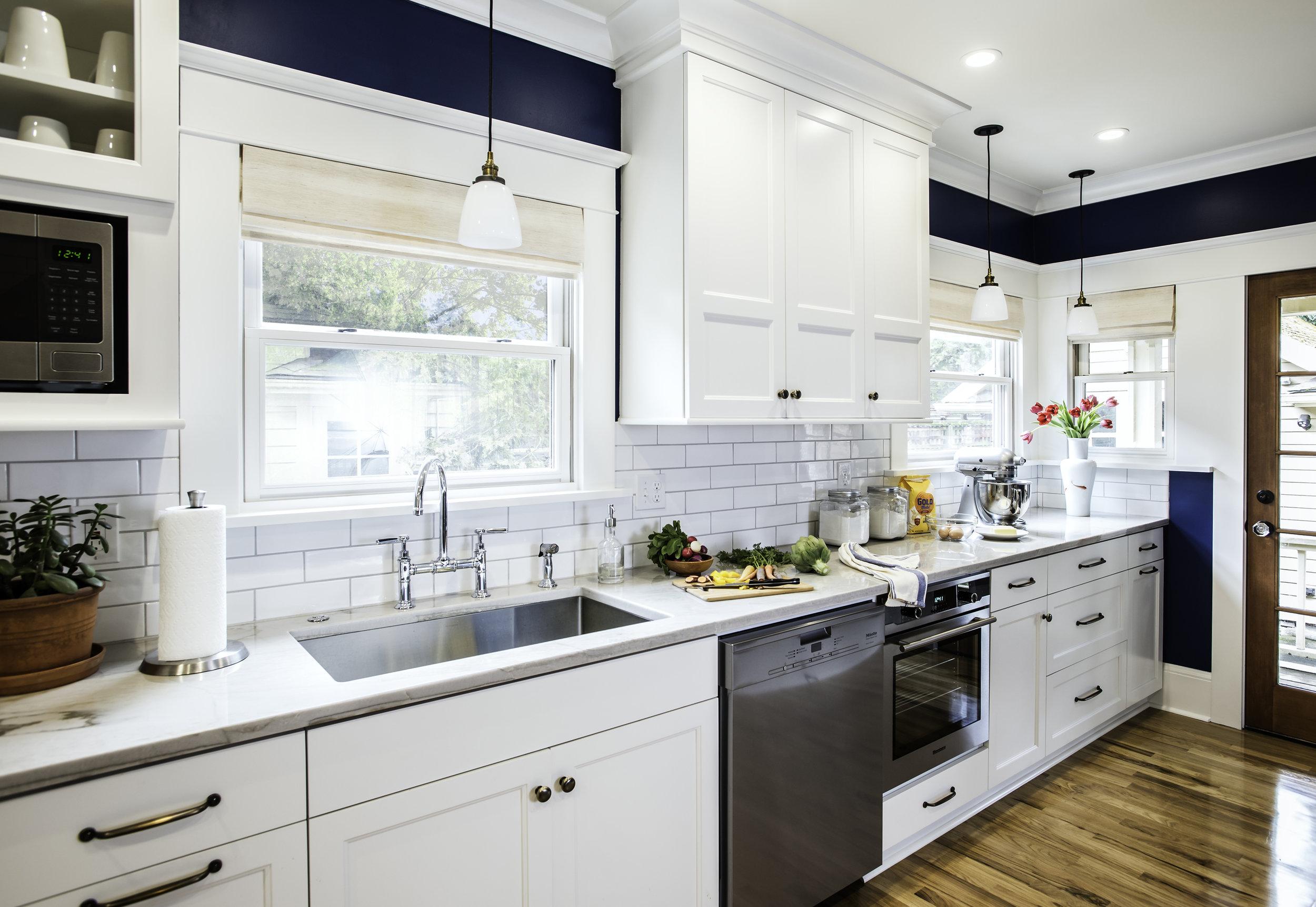 Kitchen interior design by Jenni Leasia Interior Design in Portland