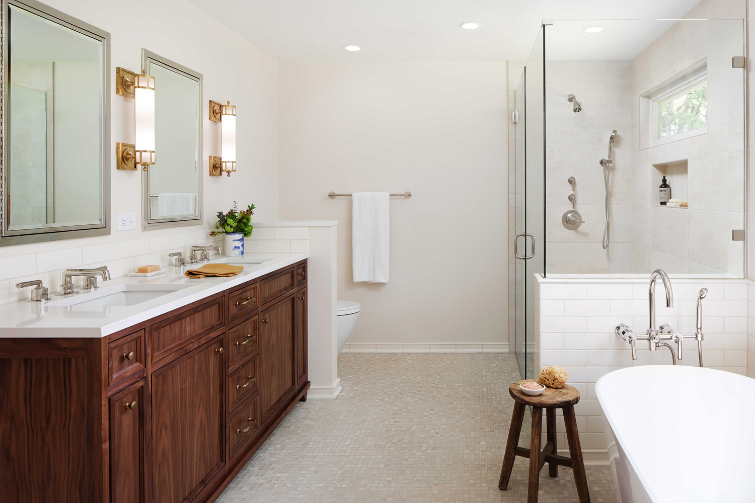Bathroom interior design by Jenni Leasia Interior Design in Portland