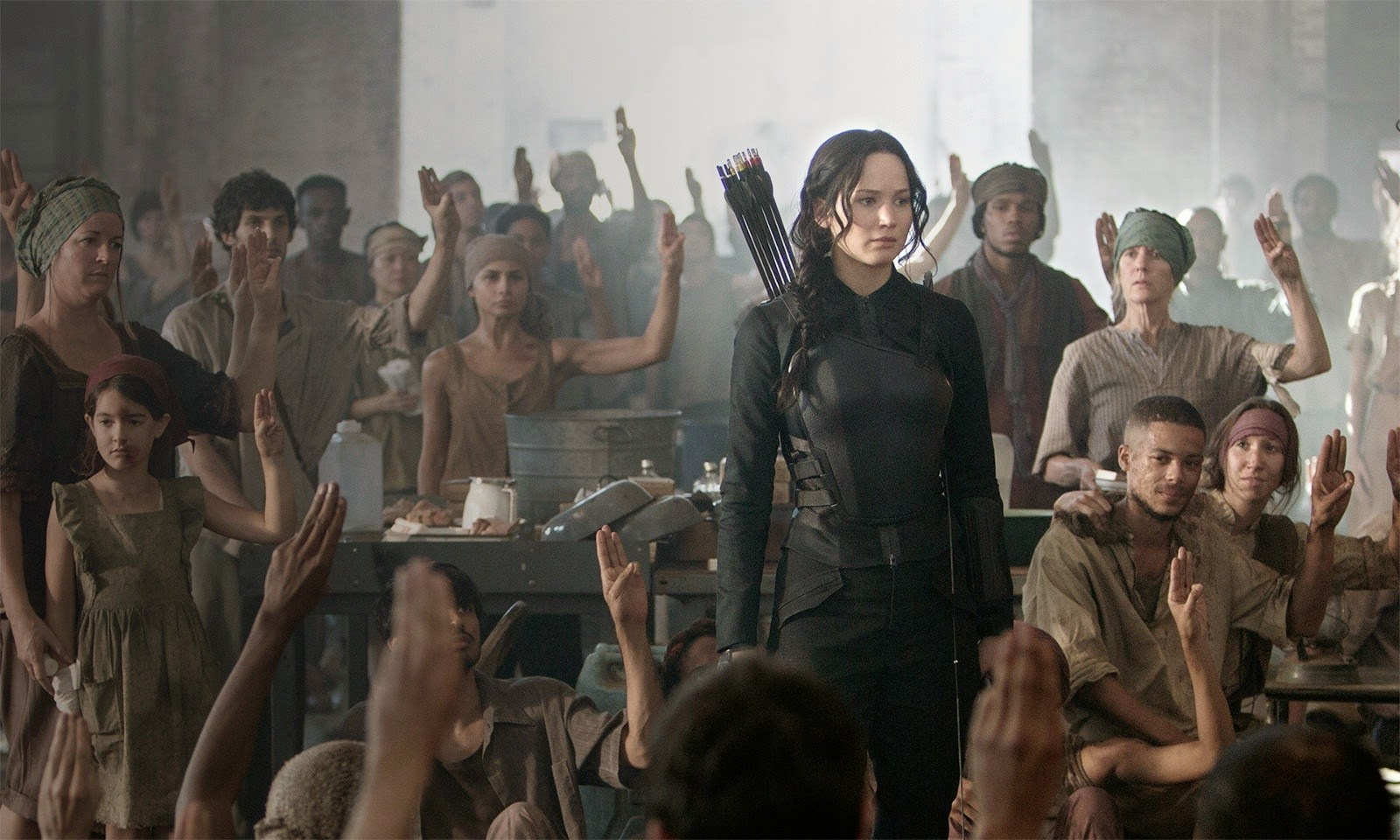 hg-mockingjay-part1-img06 hospital outfit.jpg