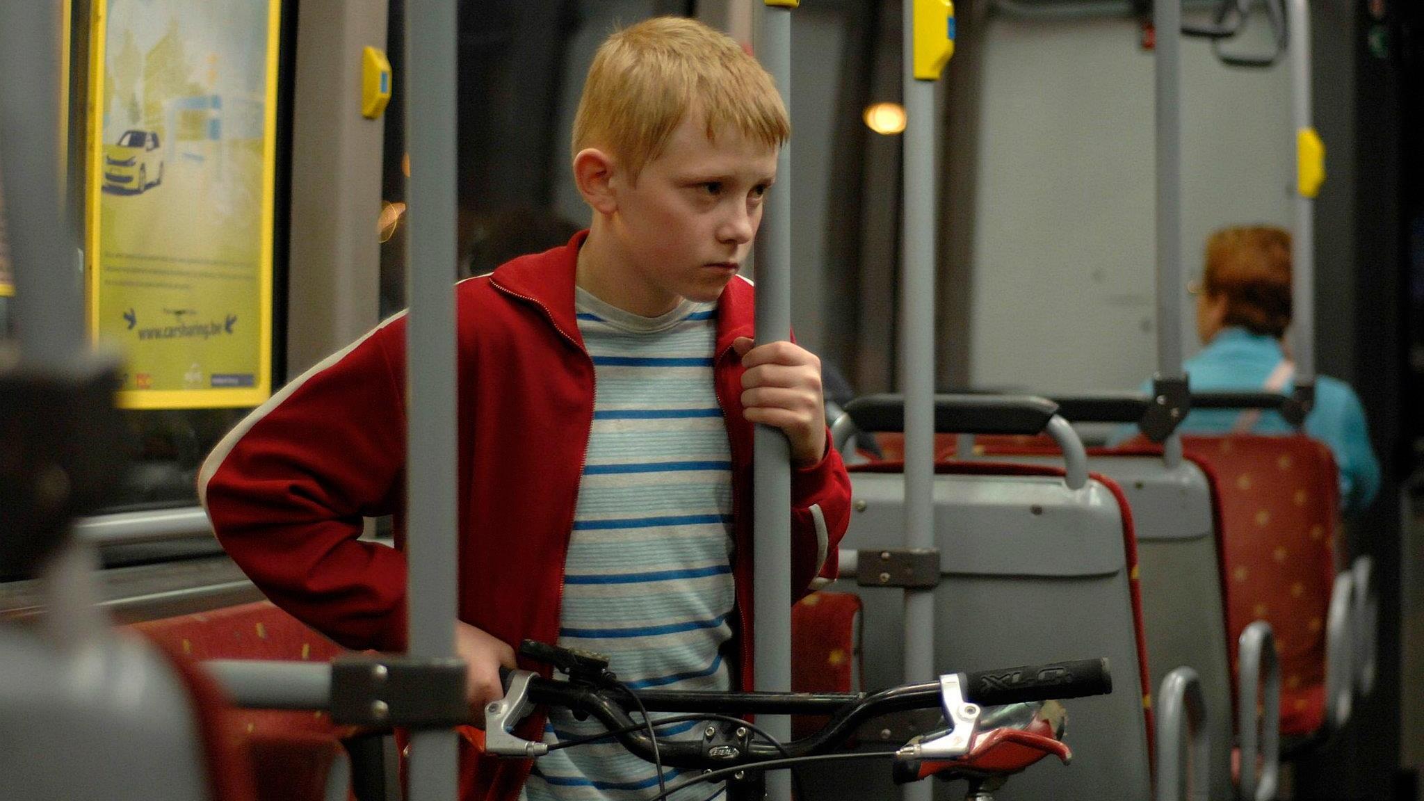 the-kid-with-a-bike-whysoblu.com-1.jpg
