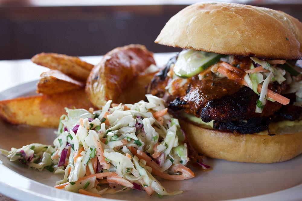 Big's_Pics_Chicken Sandwich.jpg