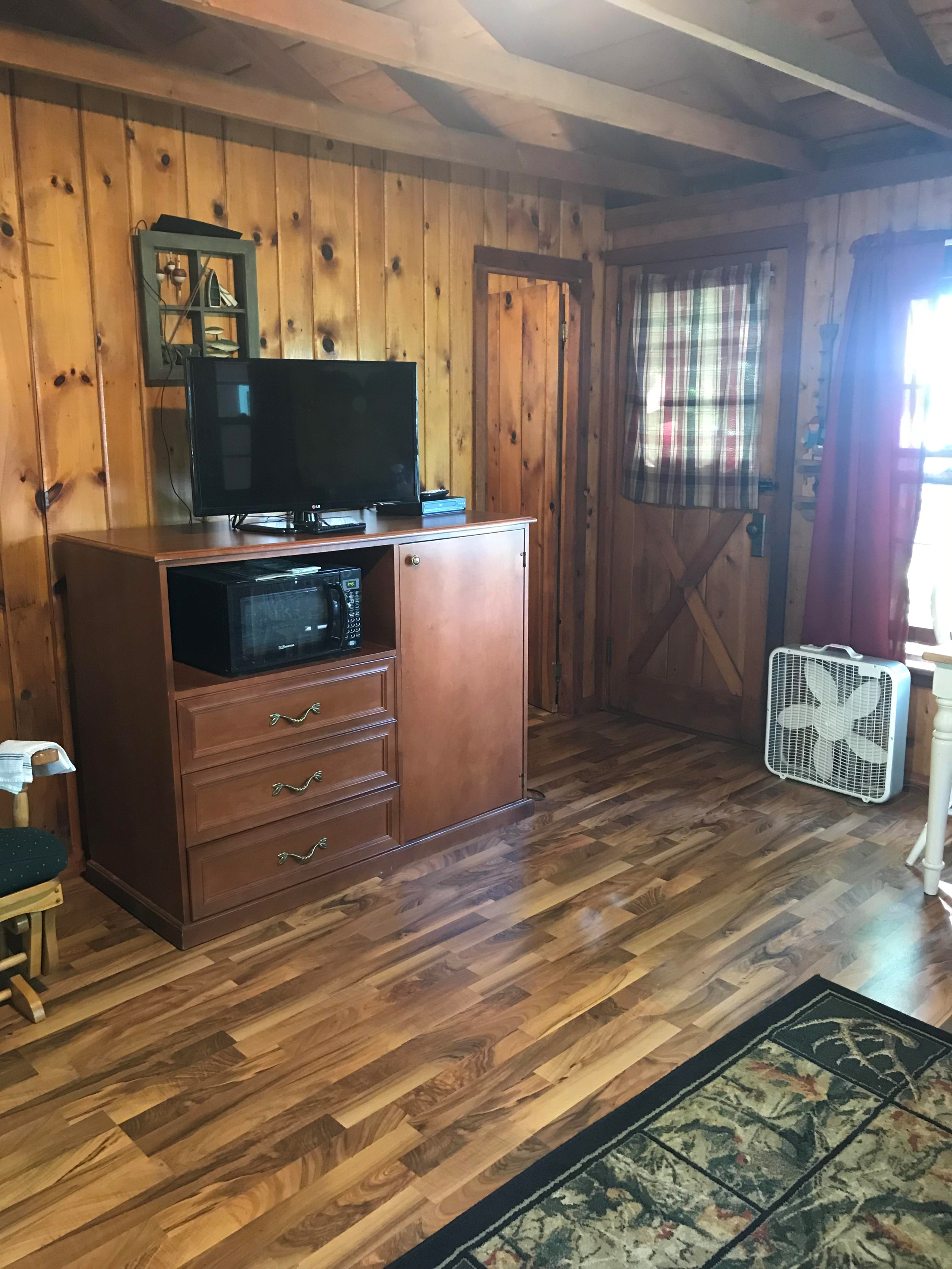 New renovated cabin in Autrain, MI. Lakeview