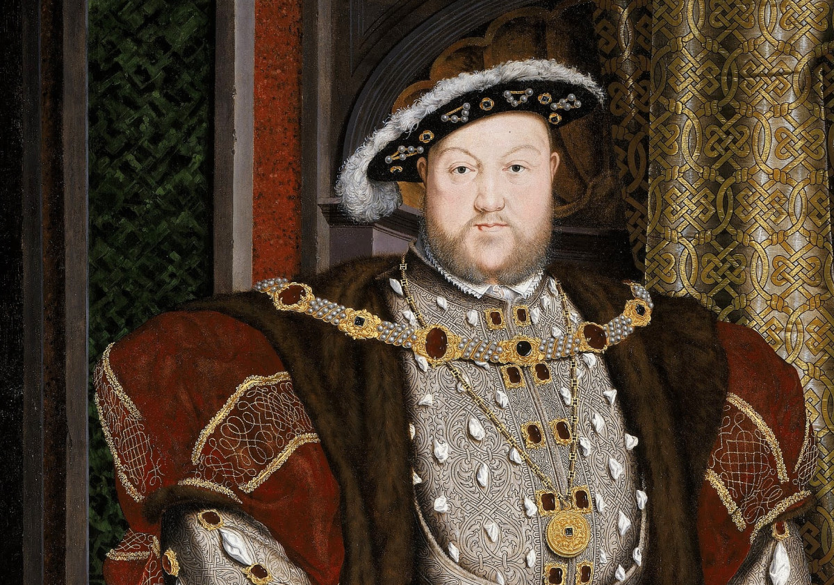 1533 - King Henry 8th issued a royal proclamation which imposed a fine on any farmer that did not use some of his land for growing Hemp to supply the King's Navy.