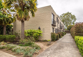 1231 Mills StMenlo Park - Lovingly updated condo with patioSold for $974,0002 bed / 1.5 bath / 1,070 sqft interior