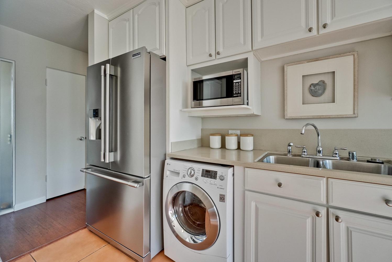 9 Laundry Room.jpg