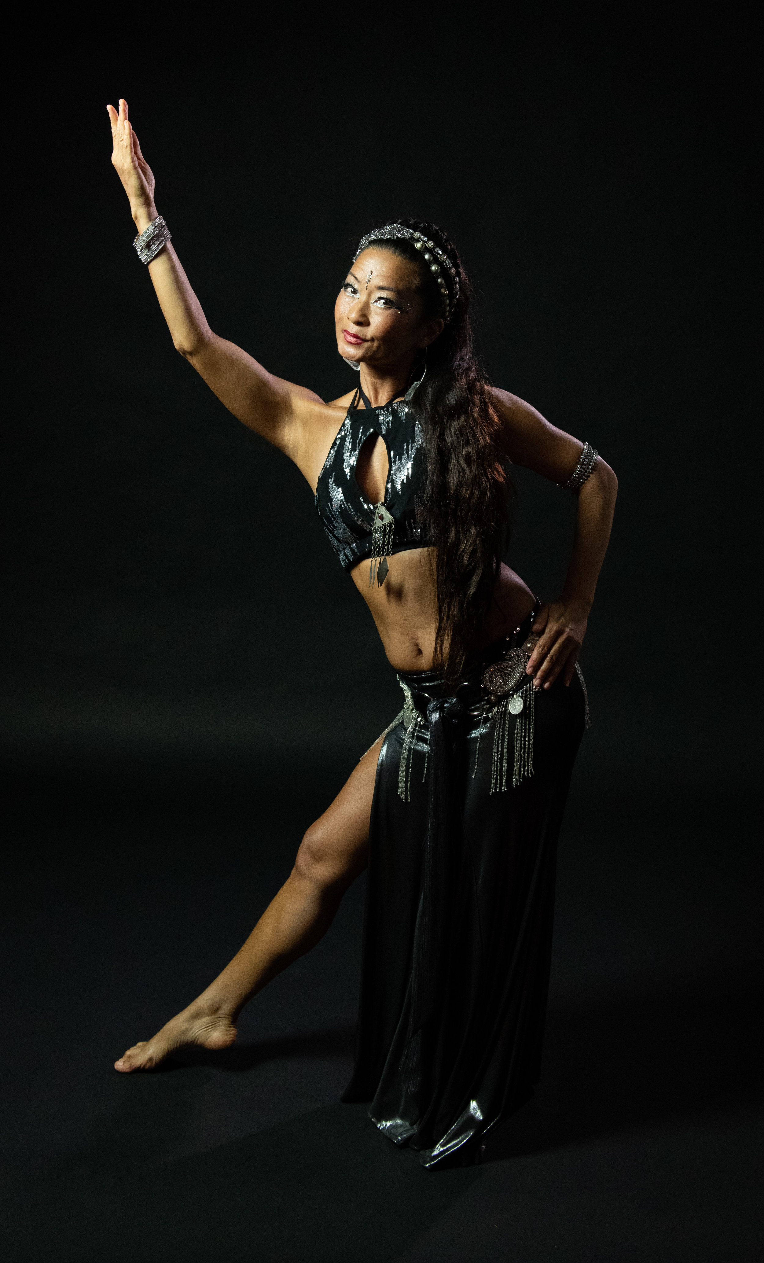 Juyhun Kim  Juyhun is a healing artist and holistic physical therapist who likes to explore the various forms of movement through various dance styles ( belly dance, contact dance, qigong , Tahitian, hula, Odissi )  She is passionate about the potential power of alchemy incorporating conscious movement and different healing modalities.  Through intention, cultivation of the energetic elements of nature, and creative self-expression, one can ultimately transform, heal, and vitalize our bodies and others.
