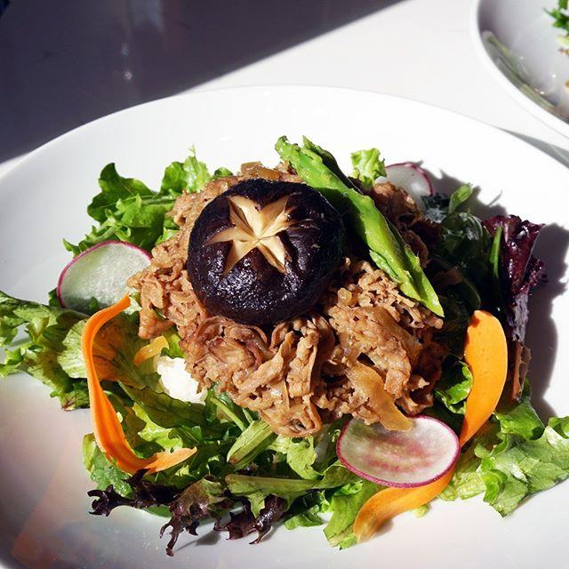 How about a Sukiyaki Beef for lunch today? #sushi #sushimode #sushigram #sashimi #foodie #japanesefood #lunchidea #dinneridea #sushilover #sushitime #buzzfeast #yummy #instagood #foodstagram #sushiroll #foodporn #sakanadtla #sushiporn #asianfushion #sukiyakibeef #sukiyaki