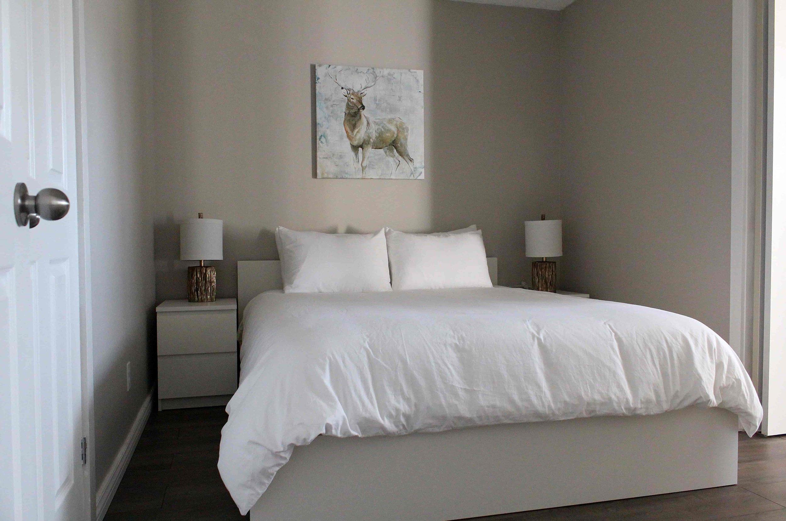 8_Moose_Lodge_Master_Bedroom-min.jpg