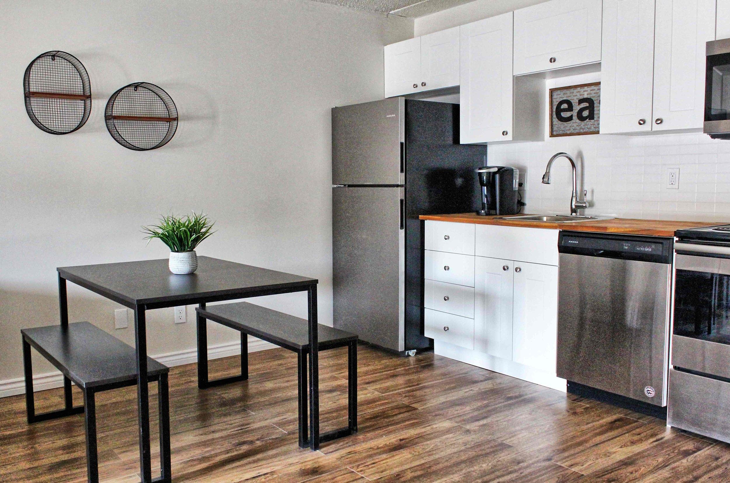 02 Kitchen-min.jpg