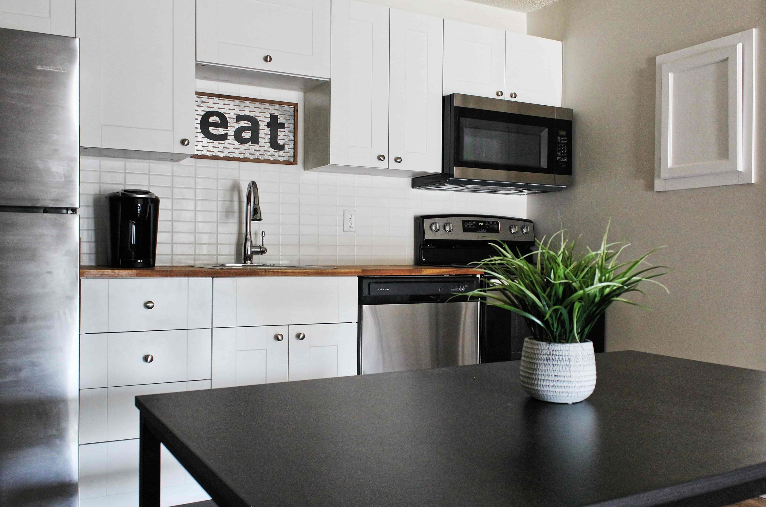 03 Kitchen-min.jpg