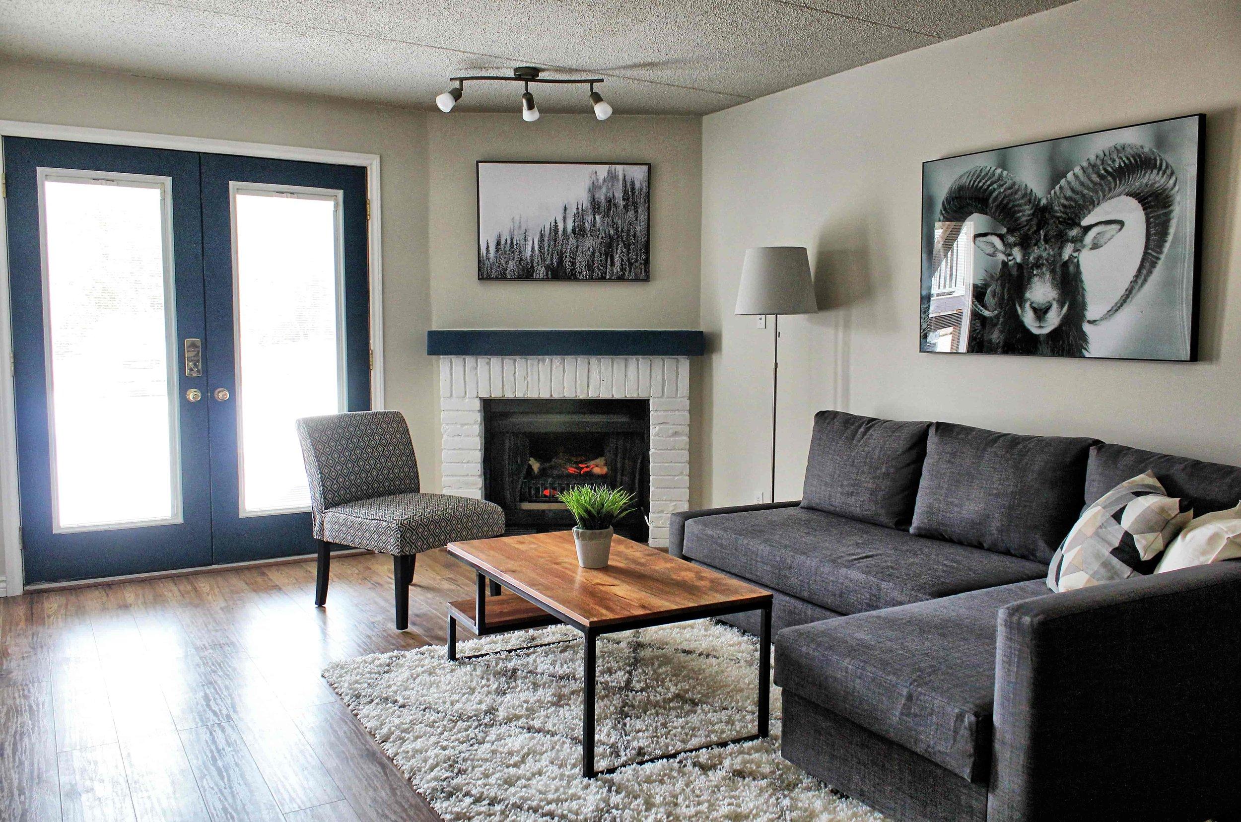 04 Living Room-min.jpg