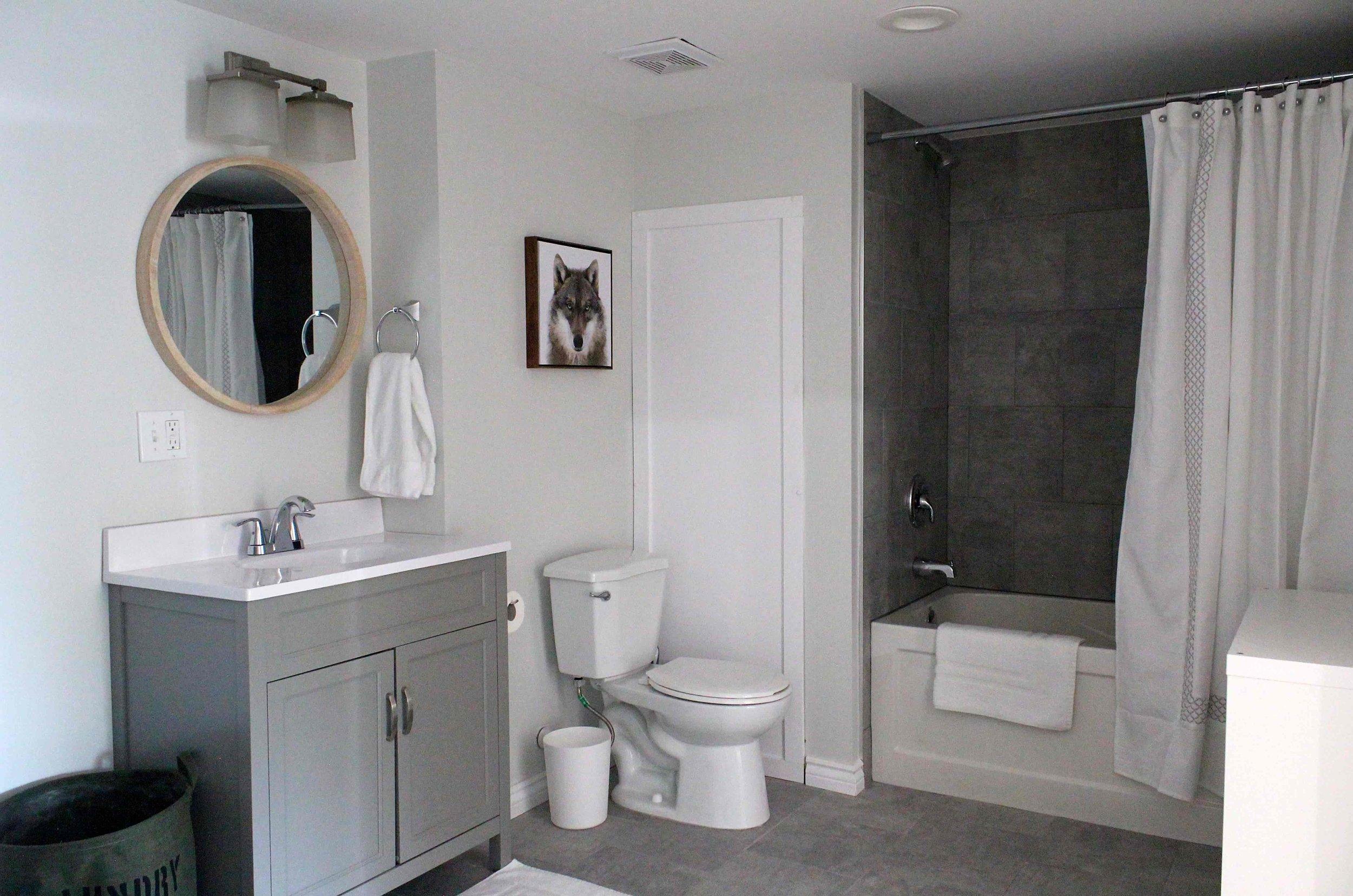 06 Bathroom - Shower-min.jpg