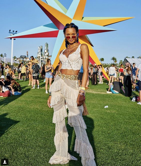 Erica_Luo_Fashion_Blogger_Coachella_Lace_sheer3.jpg