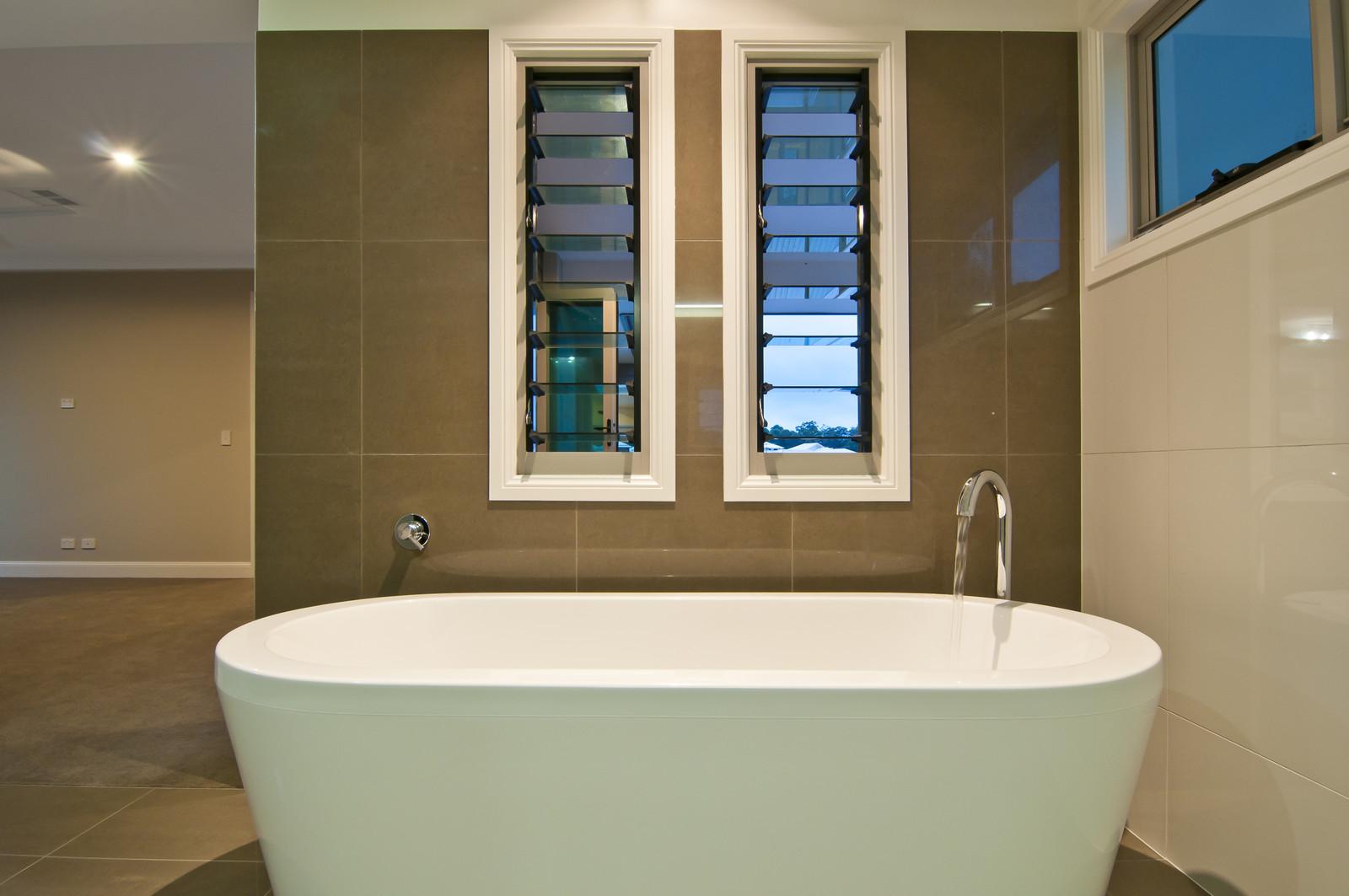 hEnsuite+Bath.jpg