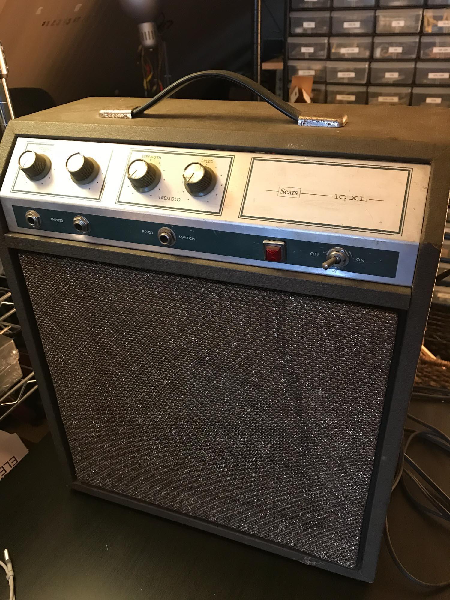 Silvertone 10XL Amp for Recap