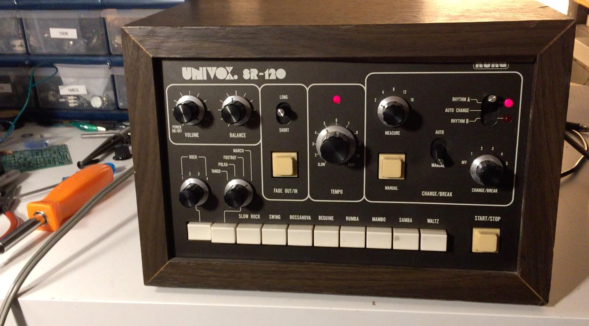 Univox SR-120 Drum Machine
