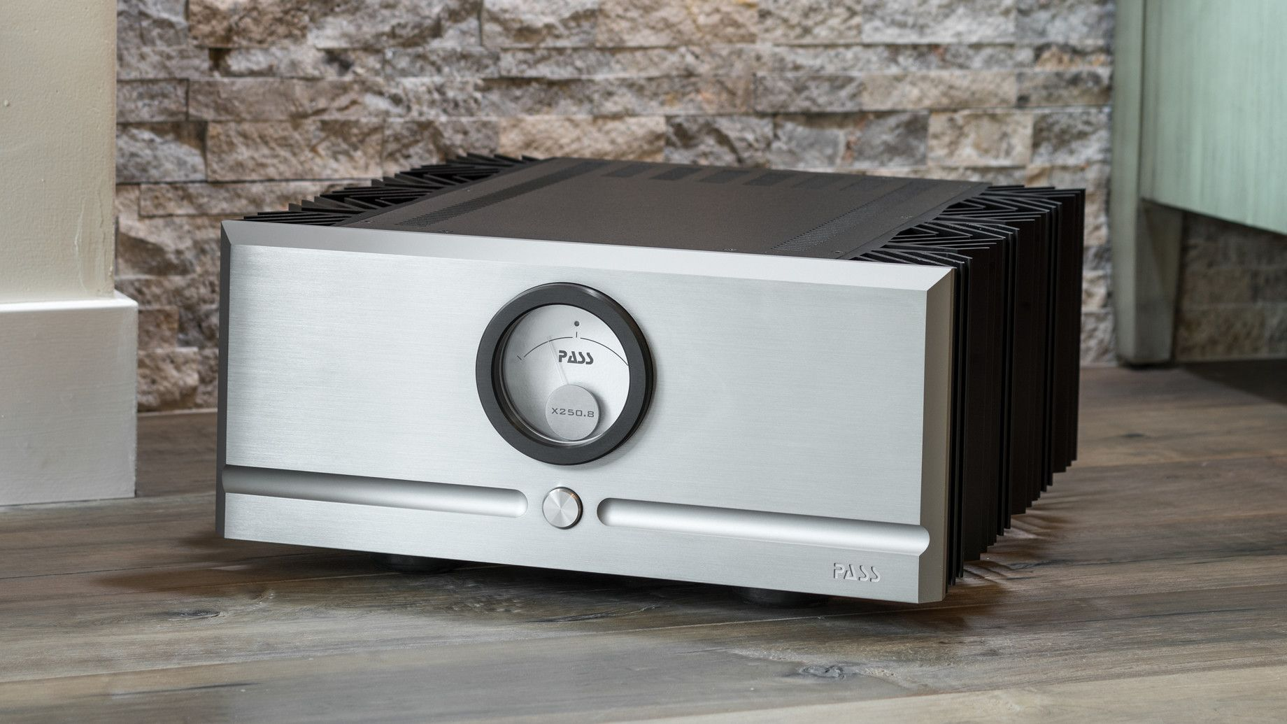 PASS LABS X250.8 AMPLIFIER   This stereo class A/B model represents a step up in power and performance from the X150.8 and, like all of our products, has been painstakingly designed, tweaked, redesigned and fine-tuned to deliver maximum musical enjoyment...