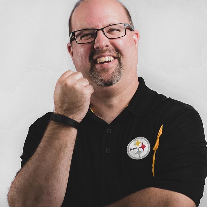 TOM GROVE  // Executive Pastor