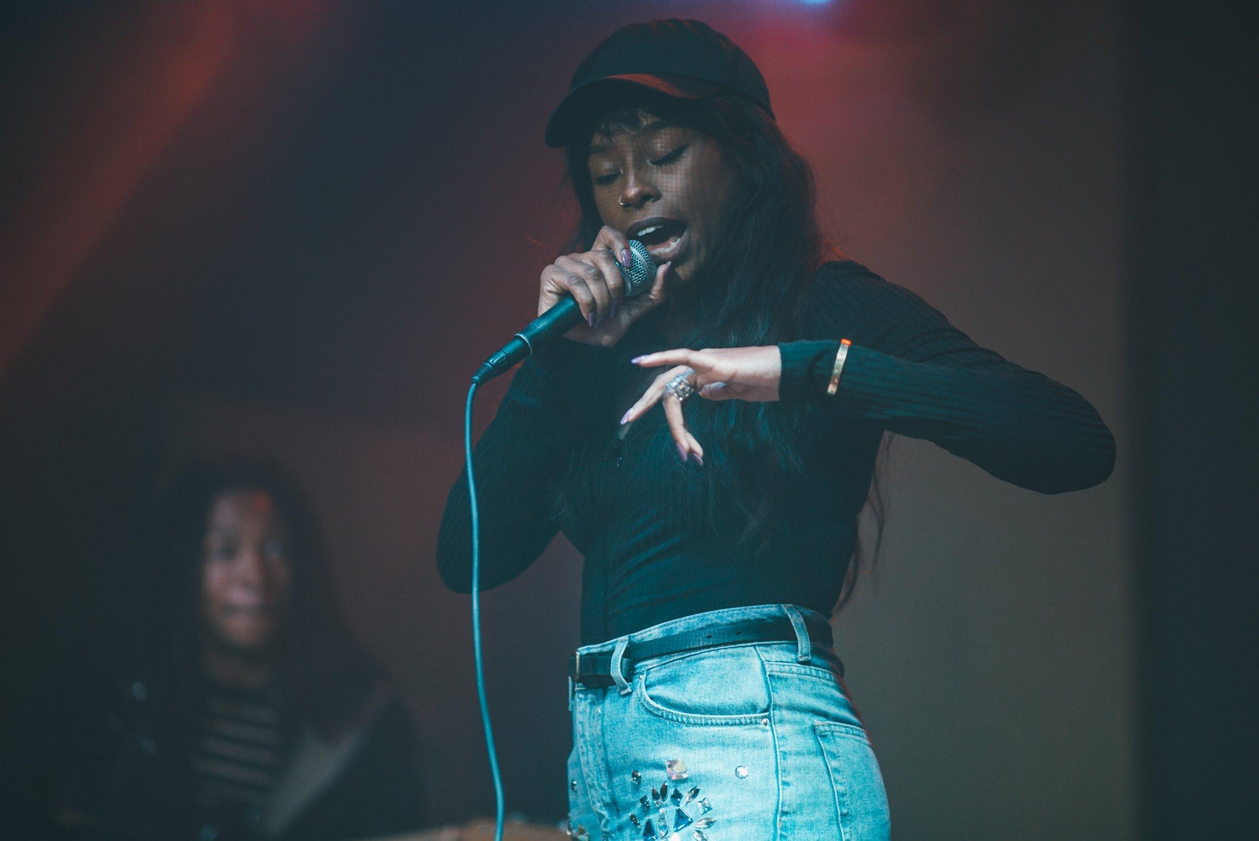 Singer,  Kayla Steen . Photo Courtesy of  Ellmatik .