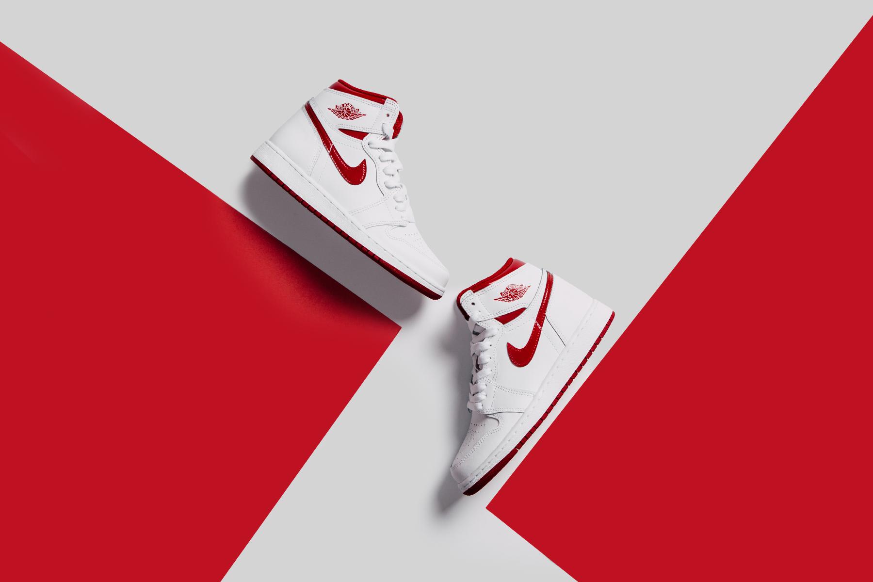 Air Jordan 1 Retro High OG Youth - White Varsity Red_0382.jpg