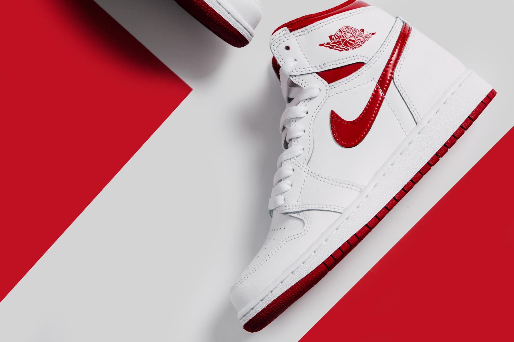 Air Jordan 1 Retro High OG Youth - White Varsity Red_0386.jpg
