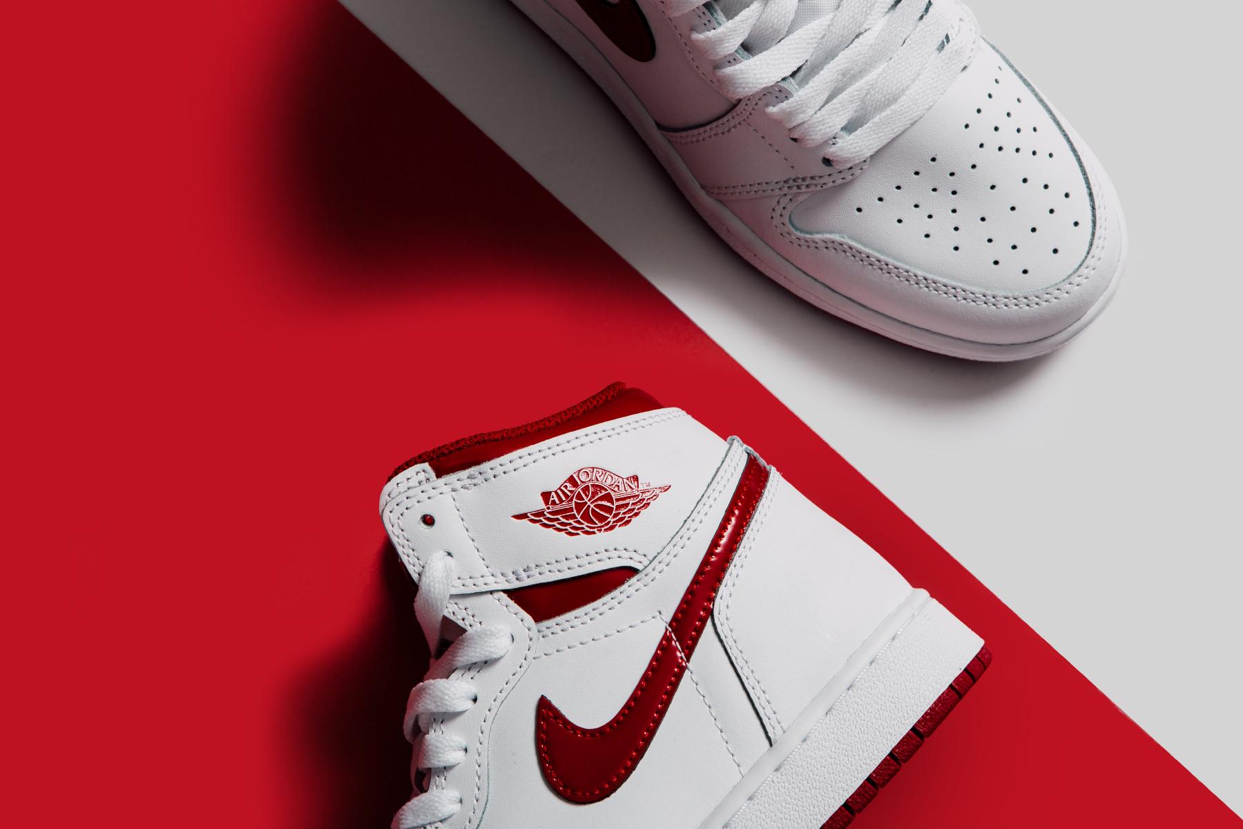 Air Jordan 1 Retro High OG Youth - White Varsity Red_0393.jpg