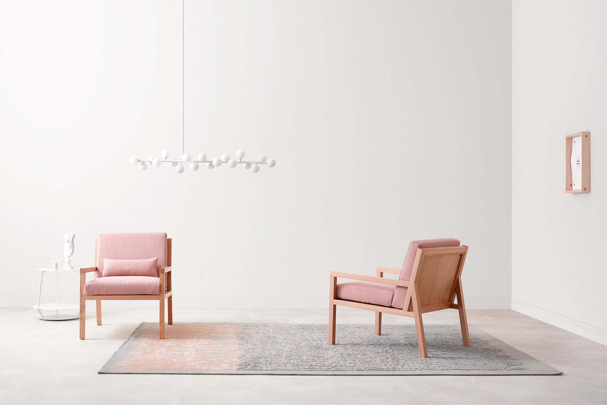 Bella Sedia. Bella Chair. Paola Zani: arredamento di design made in italy. Maestria artigianale e ricerca formale. Paola Zani: Furniture design made in Italy. Craftsmanship and research.