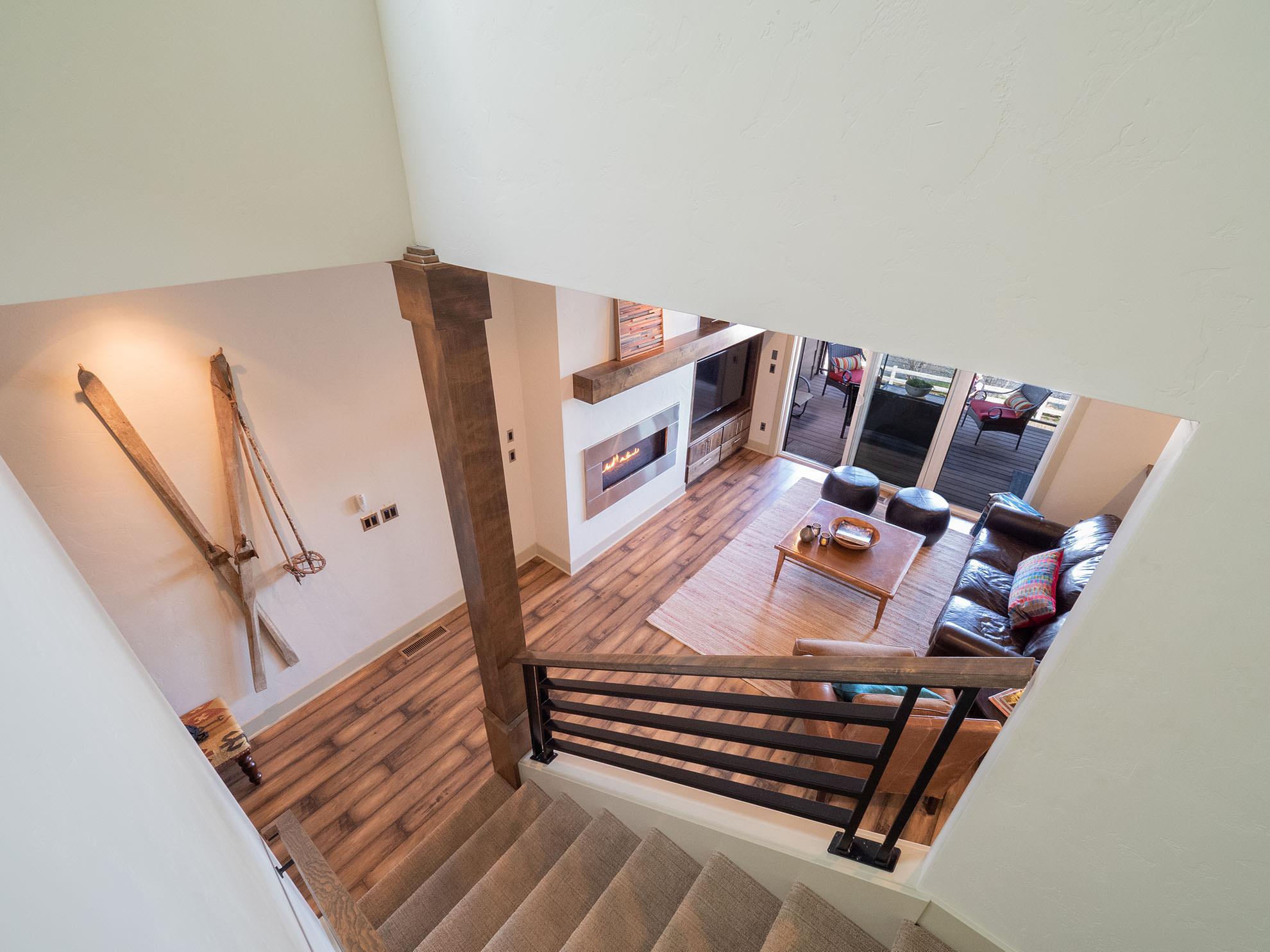 ashlie-rental-livingroom2.jpg