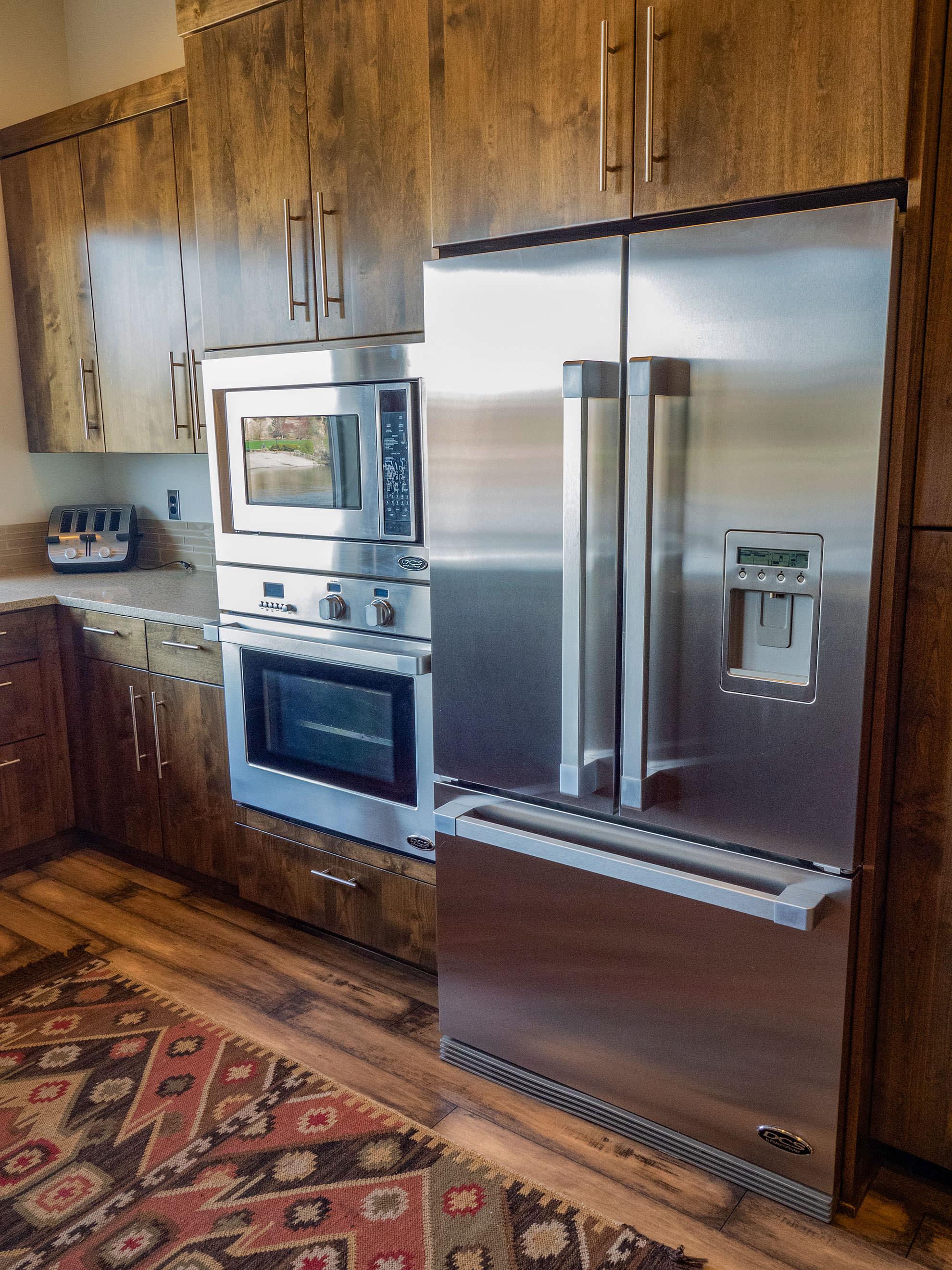 ashlie-rental-kitchen2.jpg