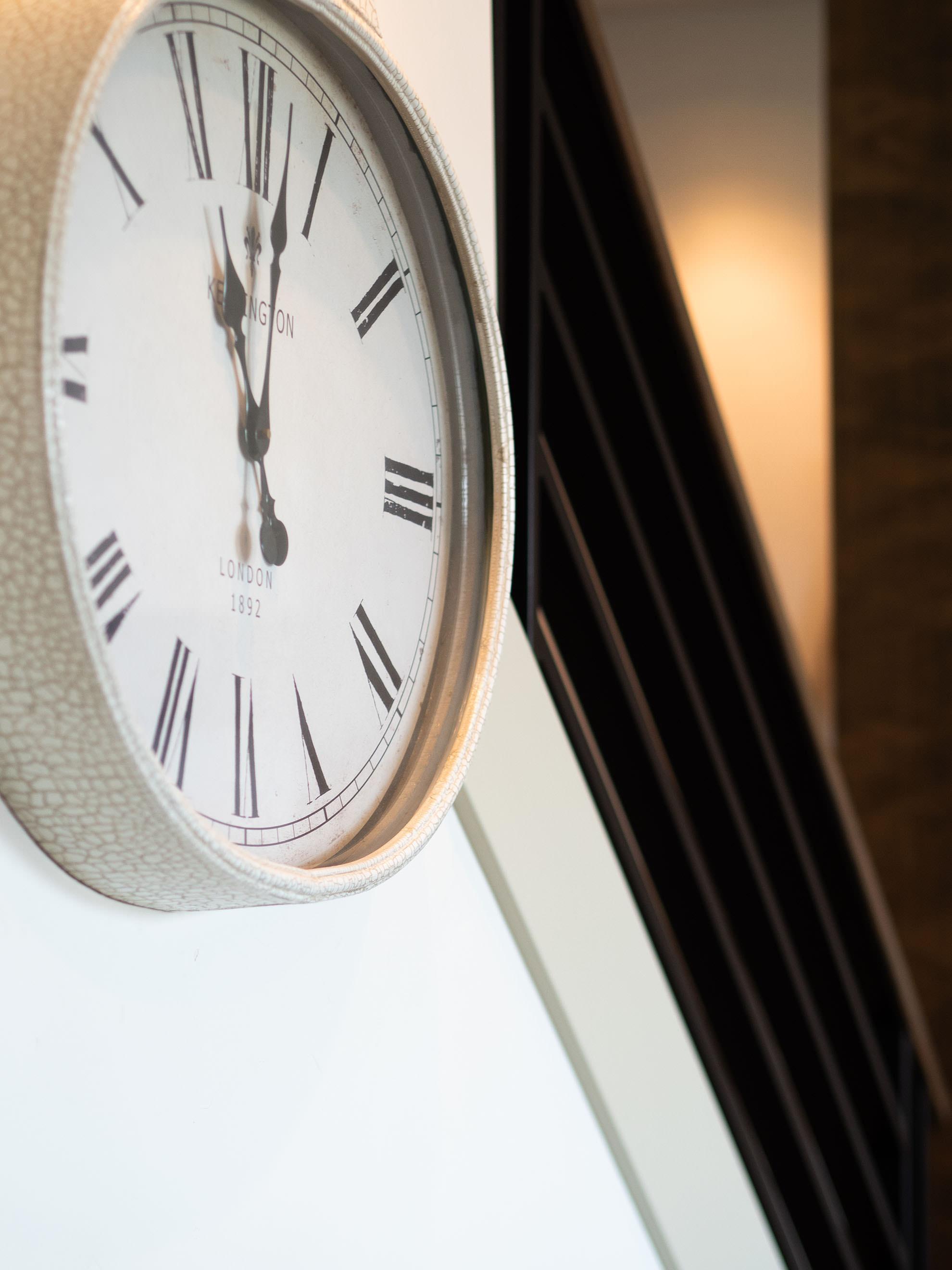 ashlie-rental-clock.jpg